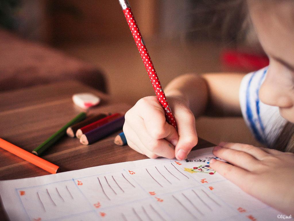 Des astuces pour aider les enfants à apprendre en s'amusant. tiDudi
