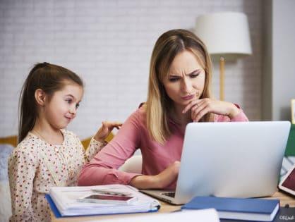 Télétravail et école à la maison : comment gérer comme une #MumBoss et rester zen ?