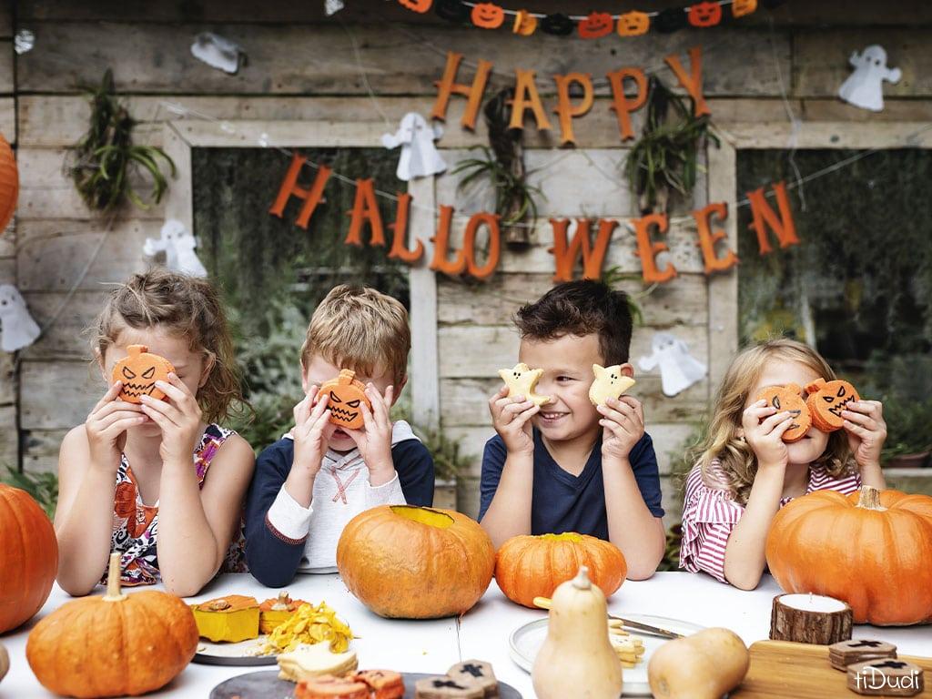 Halloween en famille à la maison